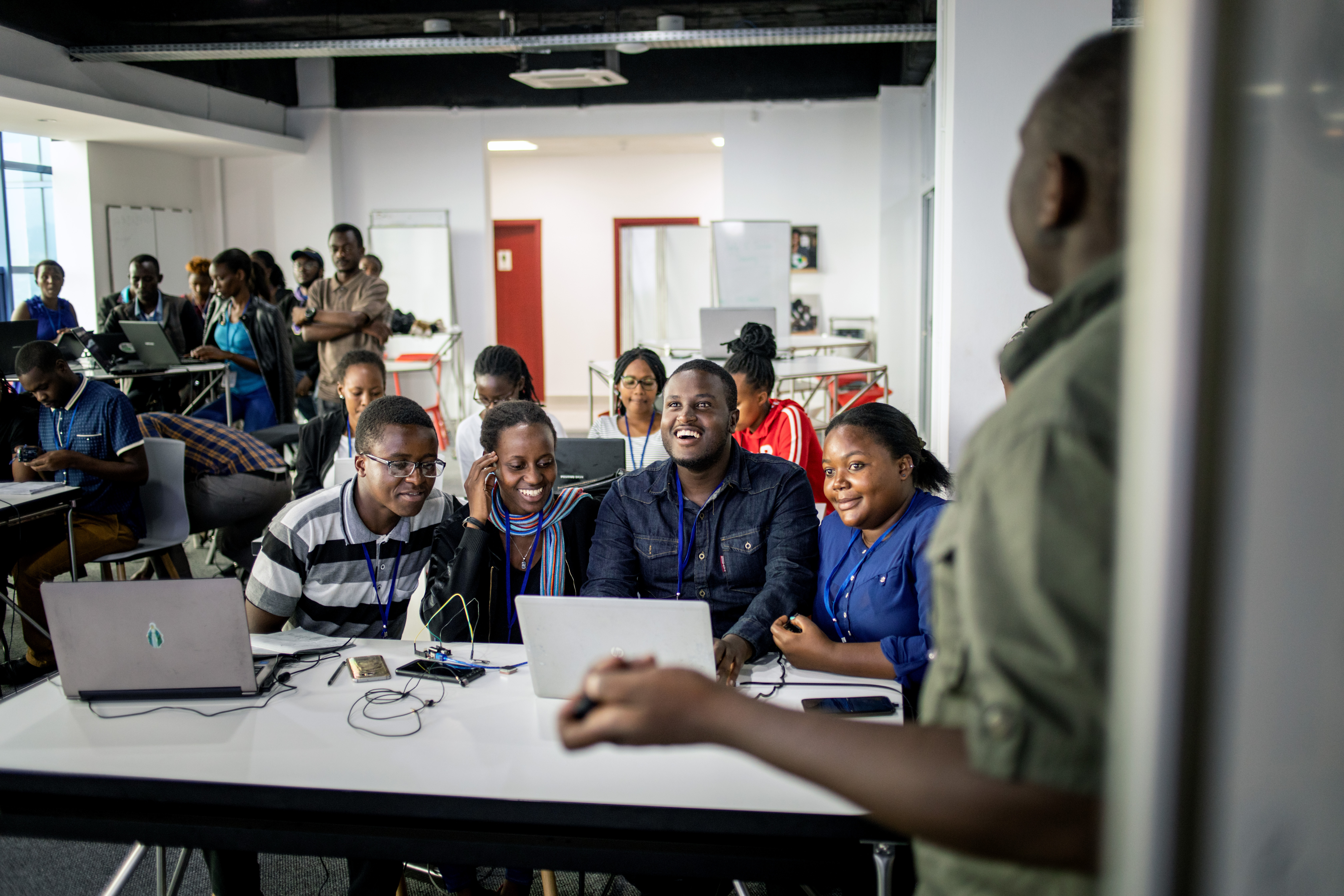 Participants at an IT training at the Digital Transformation Center Kigali, Ruanda 2020