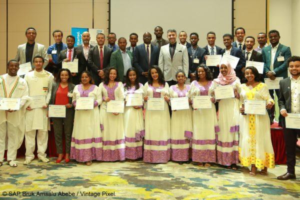 Wir vermitteln digitale Kompetenz in Afrika mit SAP